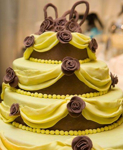 wedding-yellow-cake